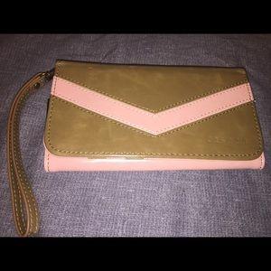 Caseen Chevron Smartphone Wallet Clutch Case